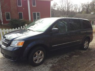 2008 Dodge Grand Caravan Sxt Mini Passenger Van 4 - Door 3.  8l photo