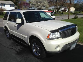 2003 Lincoln Aviator Base Sport Utility 4 - Door 4.  6l photo