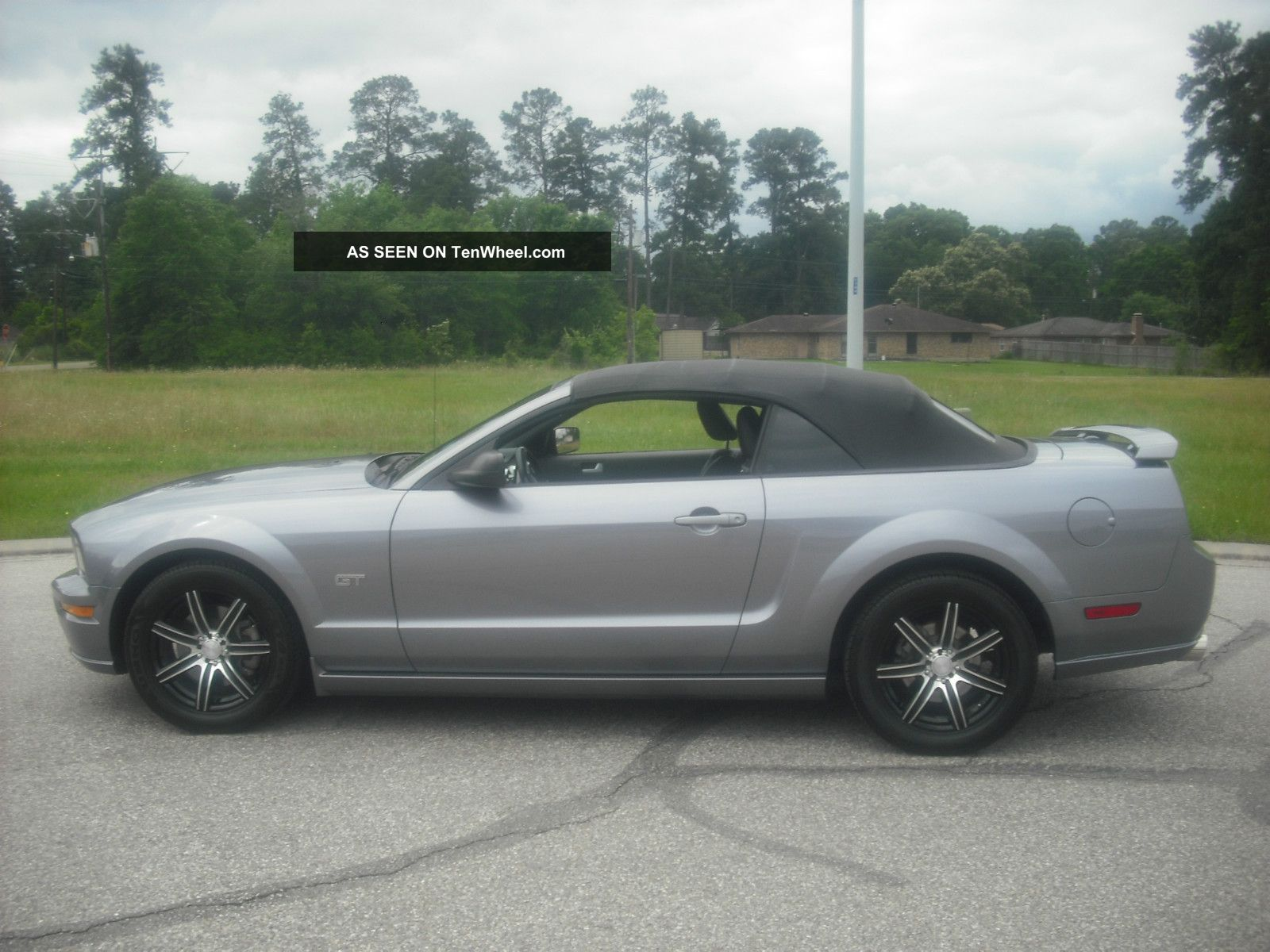2007 ford mustang gt convertible 2 door 4 6l mustang photo. Black Bedroom Furniture Sets. Home Design Ideas