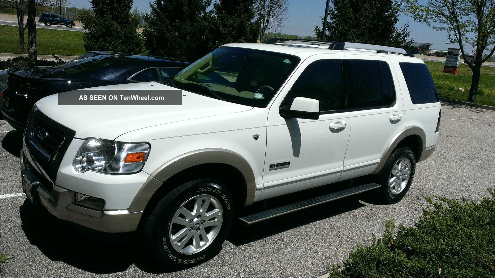 2007 Ford Explorer Eddie Bauer Sport Utility 4 - Door 4.  6l Explorer photo