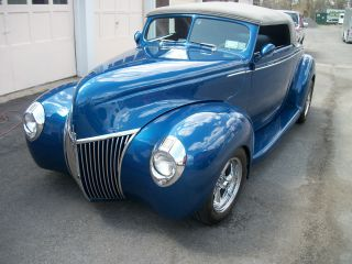 1939 Ford Convertible Coupe photo