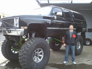 1985 Lifted Monster Suburban Truck / Suv - 37