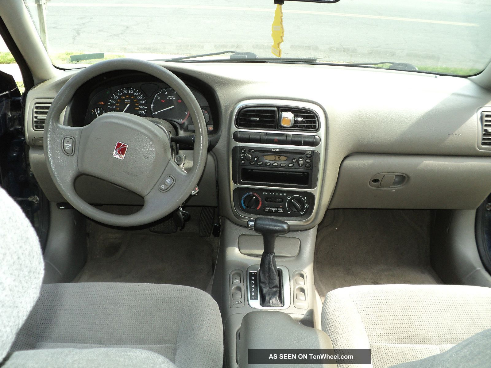 2001 Saturn L200 Base Sedan 4 - Door 2. 2l