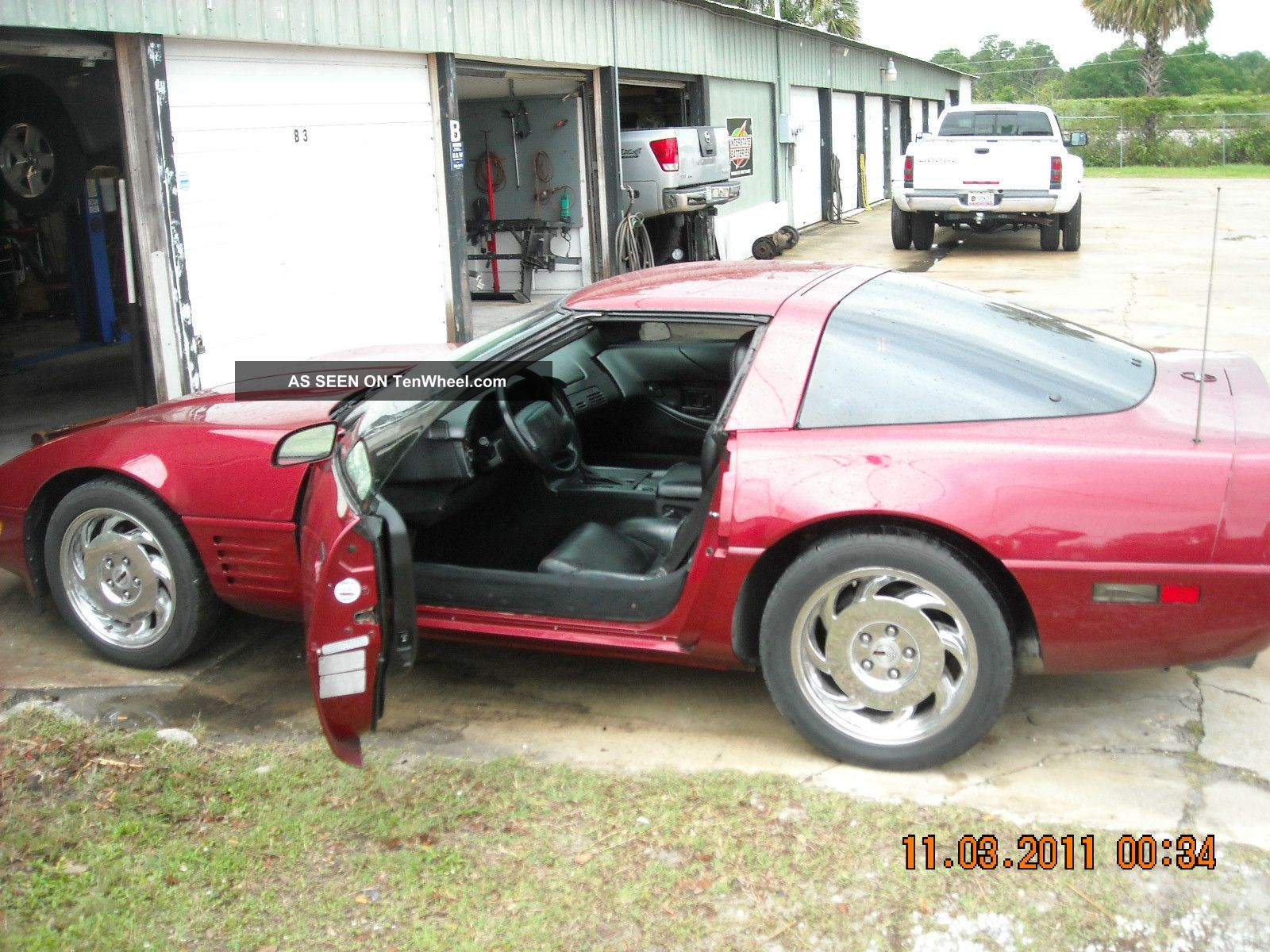 1994 Chevrolet Corvette Base Hatchback 2 - Door 5.  7l Corvette photo
