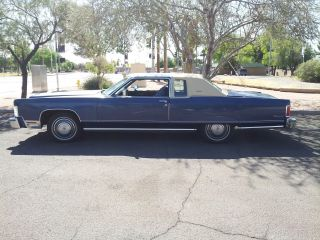 1976 Lincoln Continental 2dr Town Coupe photo