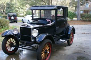 1926 Ford Model T 5 Window Coupe photo