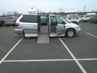 Van Wheelchair Handicap Braun Power Ramp Dodge Grand Caravan 2002 Ezy Lock photo