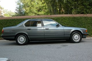 1990 Bmw 735i Base Sedan 4 - Door 3.  5l photo
