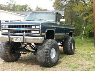 1985 Lifted Chevy Silverado 44 ' S 16