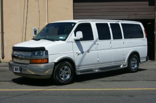 2008 Chevrolet Express Explorer Conversion Van Full photo