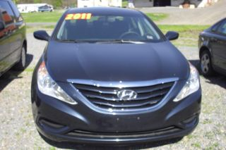 2011 Hyundai Sonata Gls Sedan 4 - Door 2.  4l photo