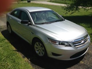2012 Ford Taurus Se Sedan 4 - Door 3.  5l photo