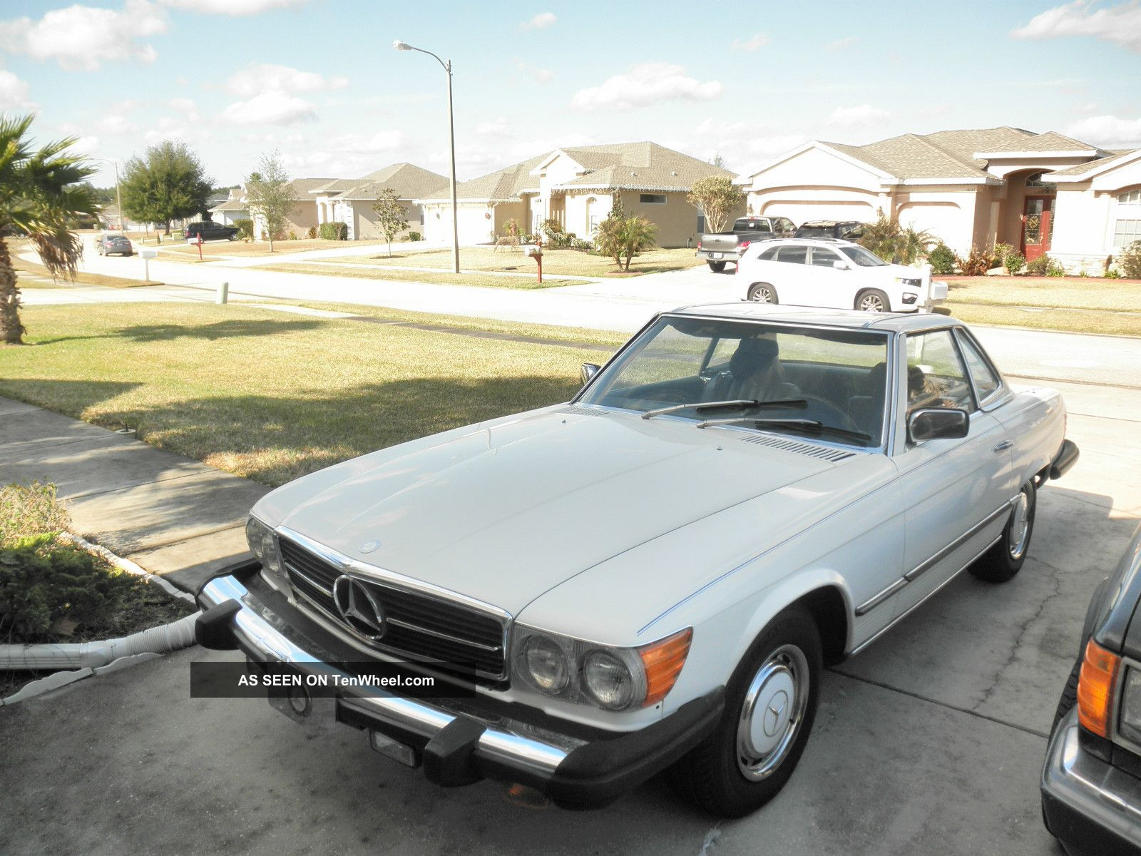 1983 mercedes benz 380 sl investment gorgeous. Black Bedroom Furniture Sets. Home Design Ideas