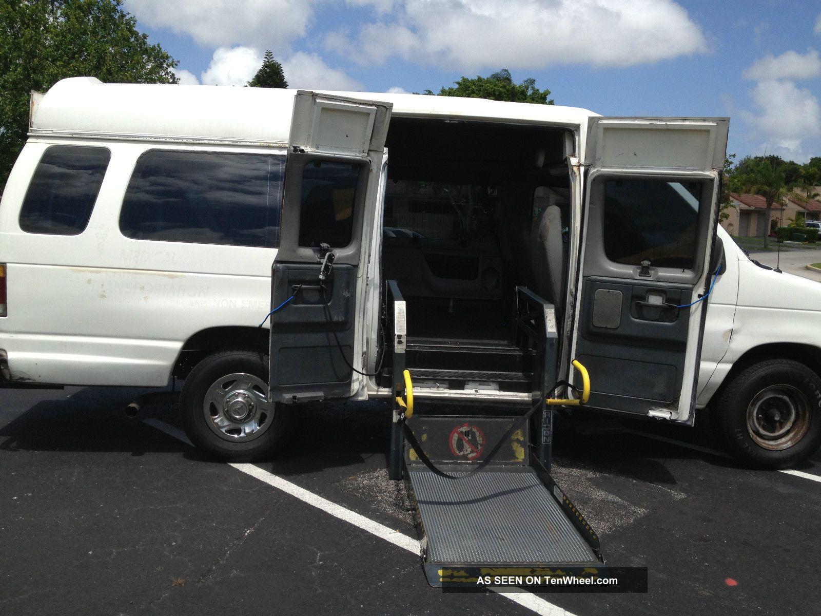 Van With Wheelchair Lift : Ford e duty xlt handicap passenger van with