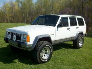 1995 Jeep Cherokee Country 4x4 Lifted photo