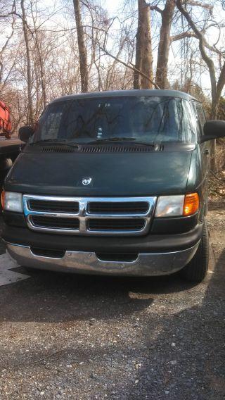 1999 Dodge 2500 Passenger Van photo