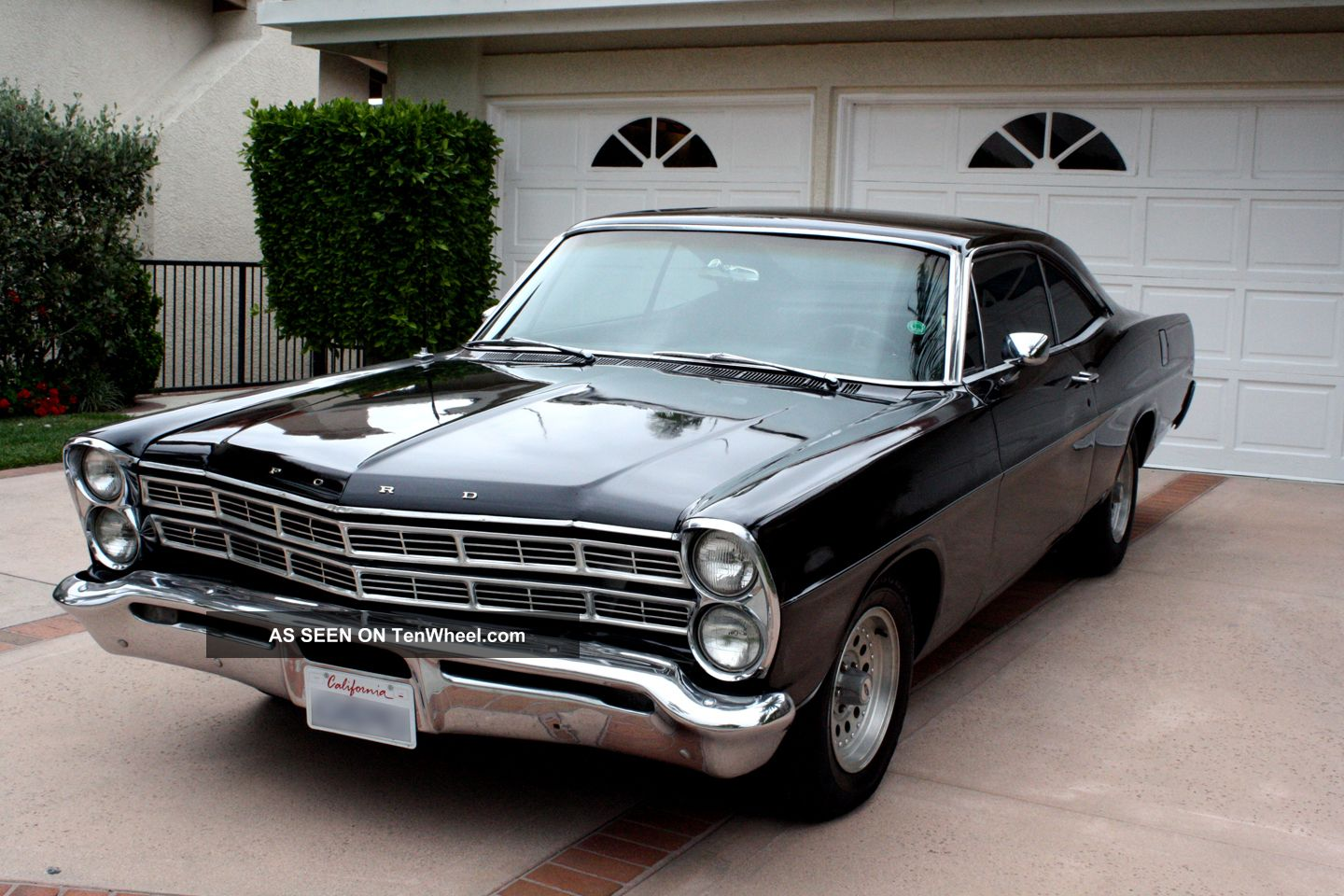 Ford galaxie 1967 classic muscle car