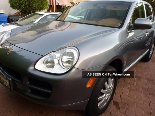 2005 Porsche Cayenne Base Sport Utility 4 - Door 3.  2l Cayenne photo