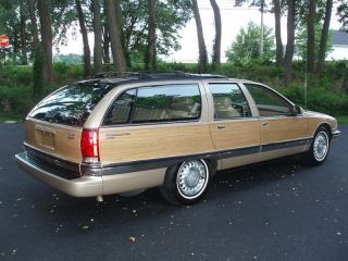 1996 Roadmaster Estate Wagon Buick,  Wood Grain,  Tan,  Lt - 1 Motor Low Mi ' S photo