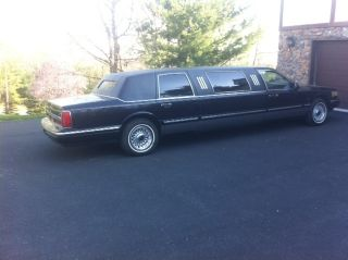 1996 Lincoln Limousine,  Personal Limo Navy Ext And Navy Interior Great Shape photo