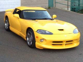 2002 Dodge Viper R / T - 10 Convertible 2 - Door 8.  0l photo