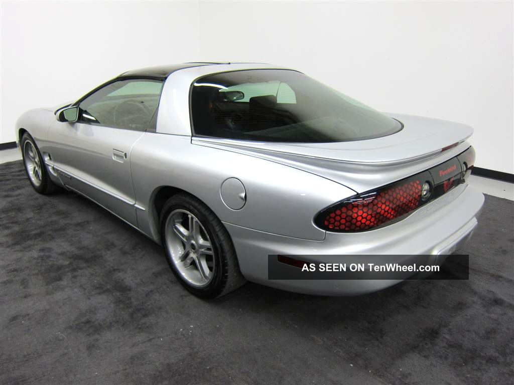 2002 pontiac firebird with t tops. Black Bedroom Furniture Sets. Home Design Ideas