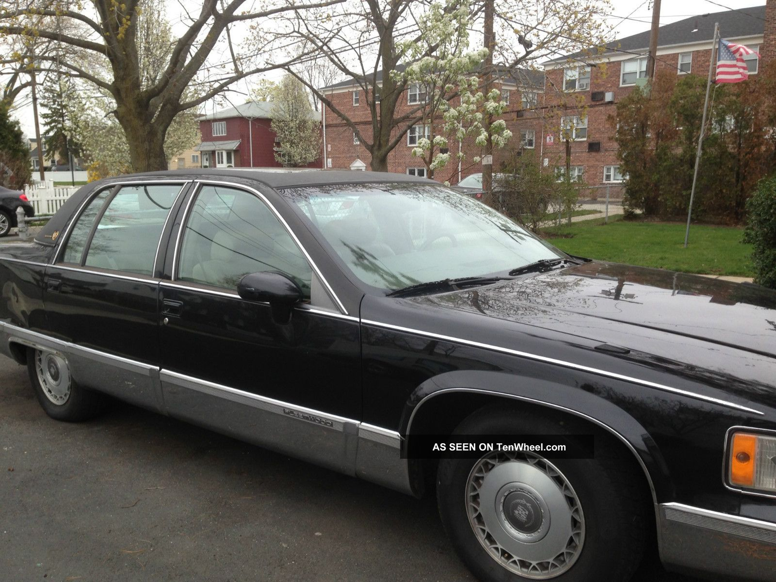 1993 cadillac fleetwood brougham sedan 4 door 5 7l fleetwood photo. Cars Review. Best American Auto & Cars Review