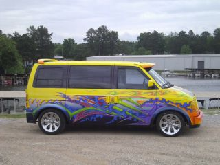 1985 Chevrolet Astro Van Full Custom Paint And Interior Stereo Custom Wheels photo