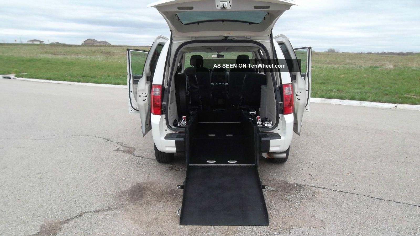2010 Dodge Grand Caravan Wheelchair Handicap Rear Entry