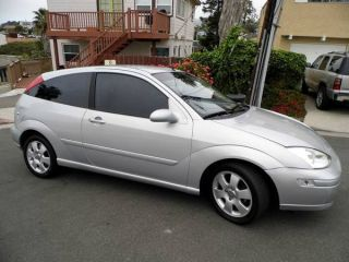 Ford Focus Zx3 Hatchback 3 - Door 2002 photo