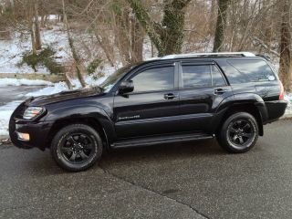 V8 2004 Toyota 4runner Sport Black V8 photo
