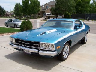 1974 Plymouth Roadrunner Base Coupe 2 - Door 5.  2l photo
