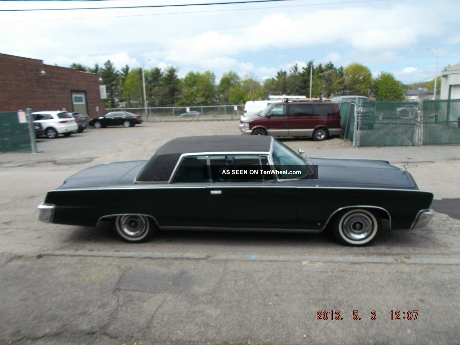 1966 Chrysler Imperial Base Hardtop 2 - Door 7.  2l Imperial photo