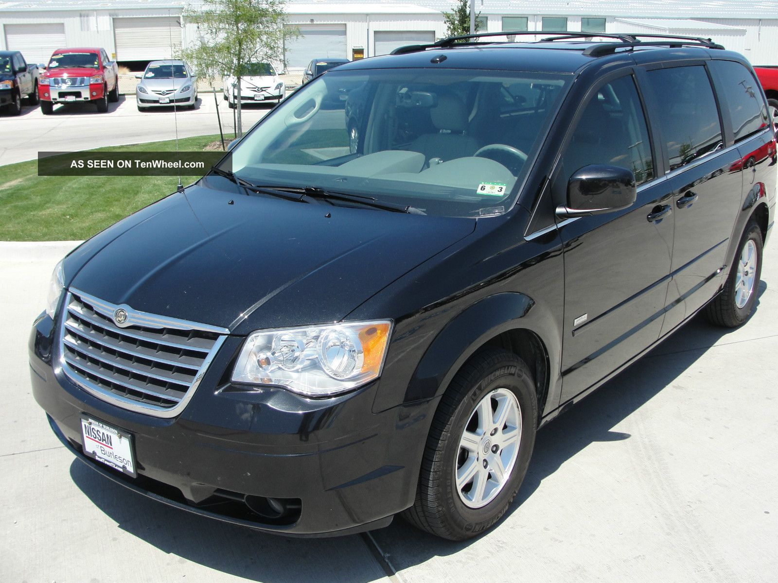 2008 chrysler town country dvd minivan. Black Bedroom Furniture Sets. Home Design Ideas