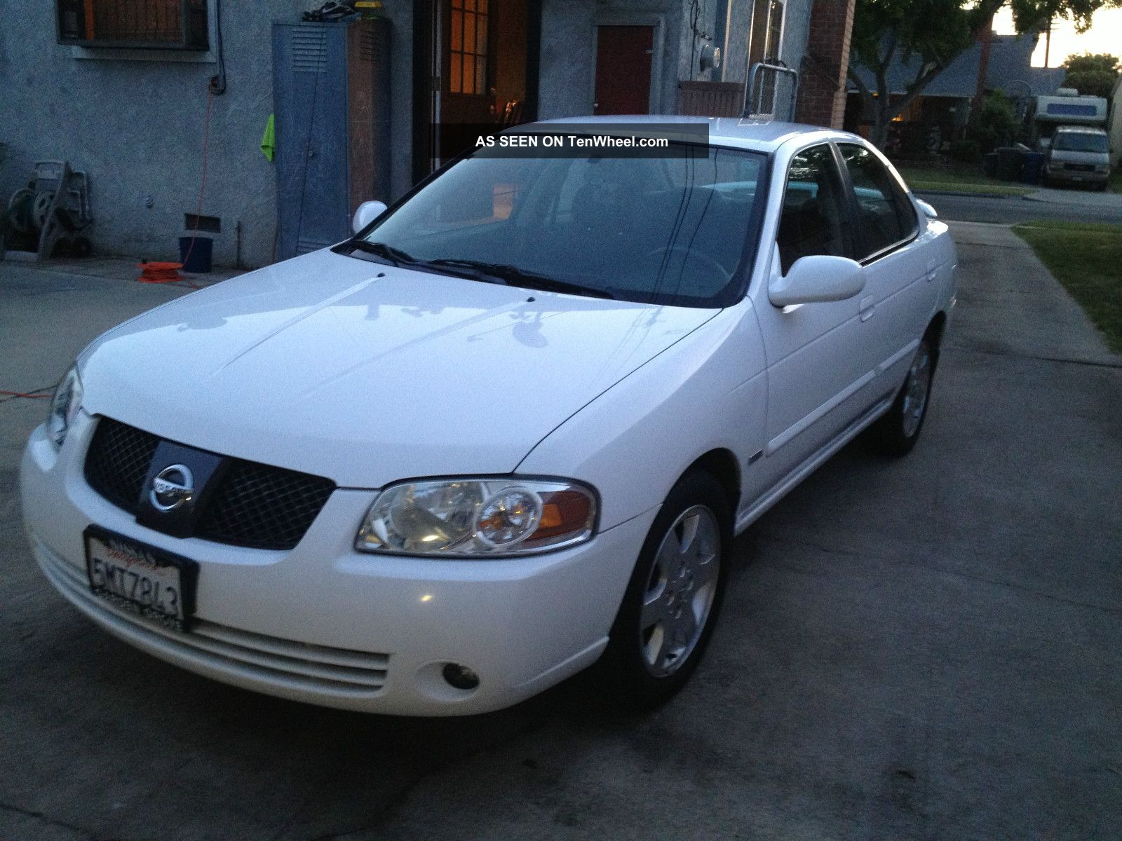 2005 nissan sentra special edition only 40k. Black Bedroom Furniture Sets. Home Design Ideas
