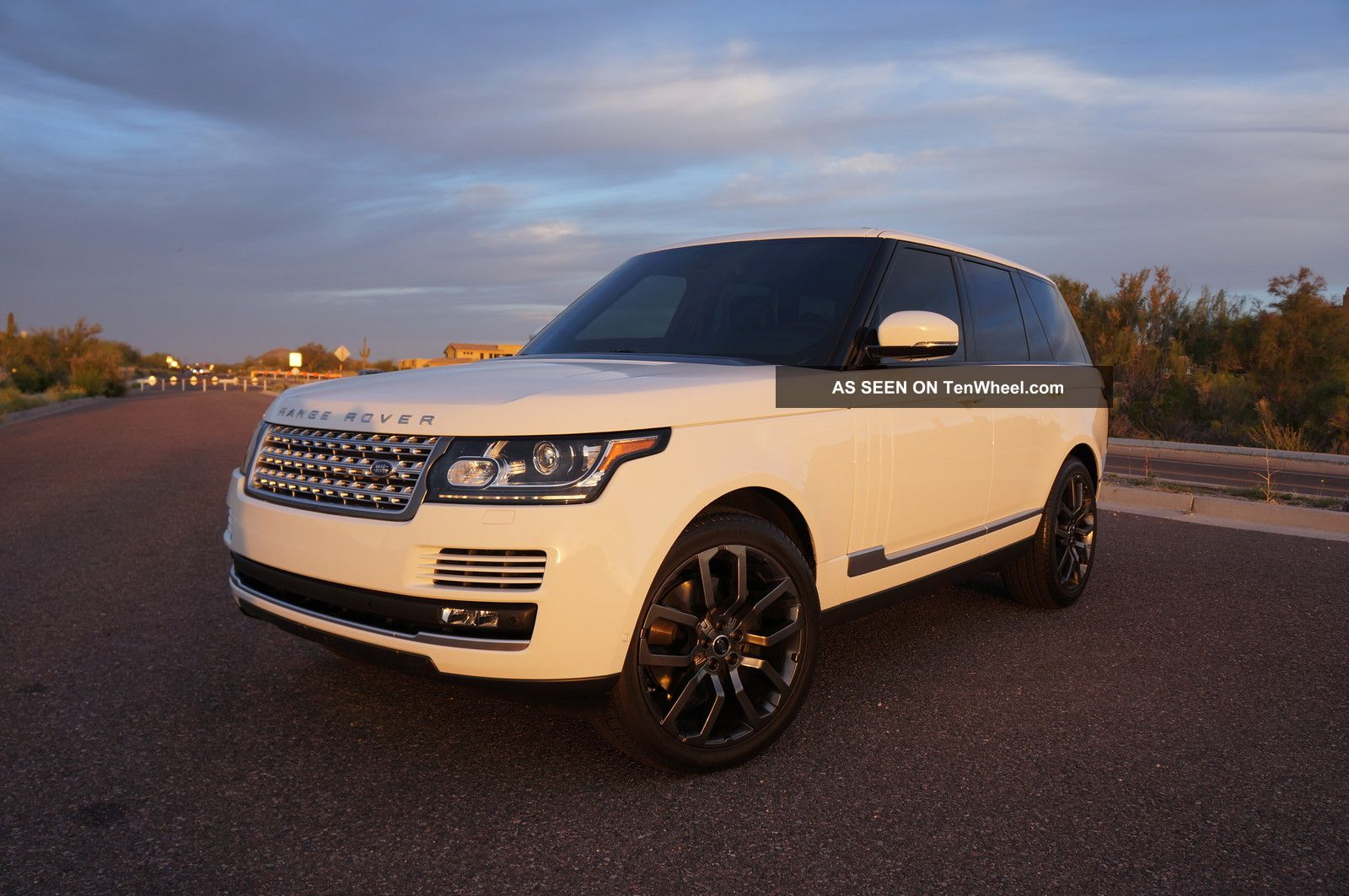 2013 range rover hse white over black 22 meridian pano roof. Black Bedroom Furniture Sets. Home Design Ideas