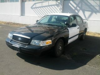 2005 Ford Crown Victoria Police Interceptor P71 Cvpi photo