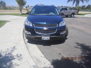 2010 Chevrolet Traverse Ls Sport Utility 4 - Door 3.  6l Fwd photo
