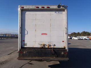 2005 Gmc Savana Cutaway Box Truck photo