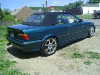 1997 Bmw 318i Base Convertible 2 - Door 1.  9l photo