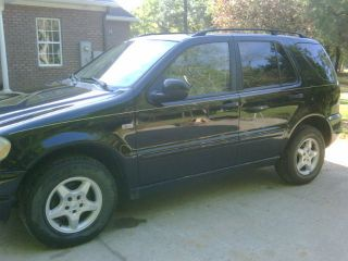 2001 Mercedes - Benz Ml320 Base Sport Utility 4 - Door 3.  2l photo