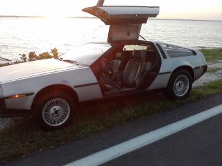 Delorean Dmc=12 1981 photo