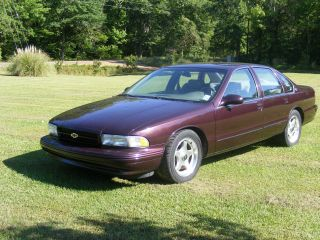 1995 Chevrolet Impala Ss Sedan 4 - Door 5.  7l photo