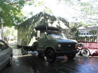 1986 Ford 17 ' Moving / Box Truck photo