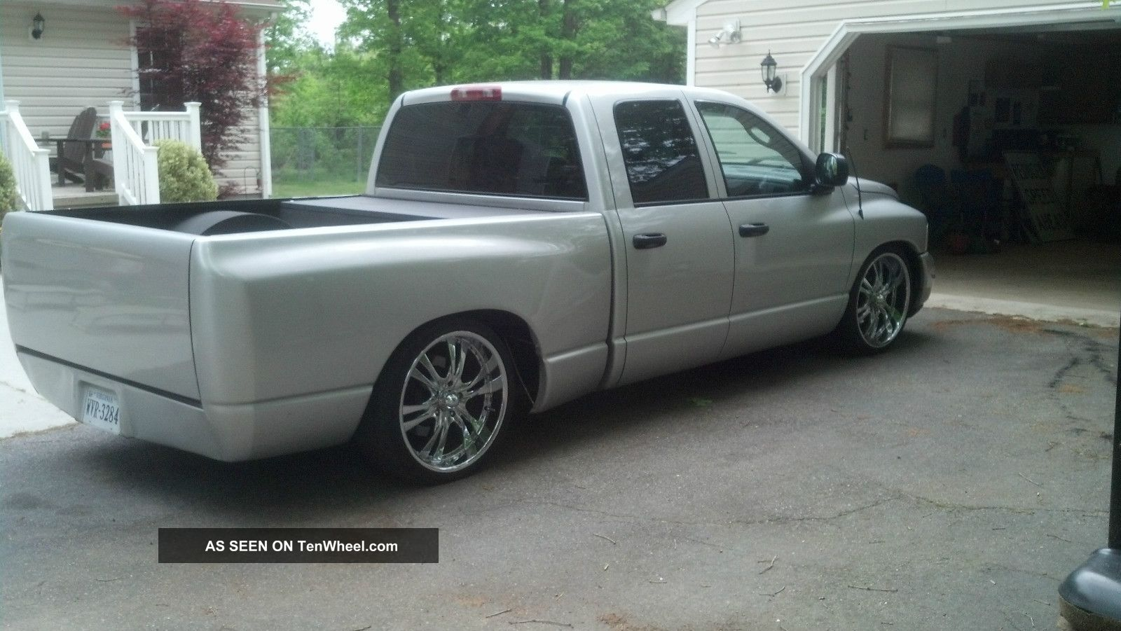 bagged 2004 custom 4 door dodge truck. Black Bedroom Furniture Sets. Home Design Ideas