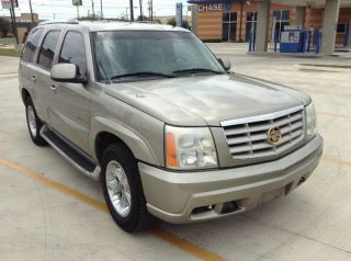 2002 Cadillac Escalade Base Sport Utility 4 - Door 5.  3l photo