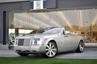 2011 Rolls Royce Phantom Drophead Coupe Convertible 2 - Door 6.  7l photo