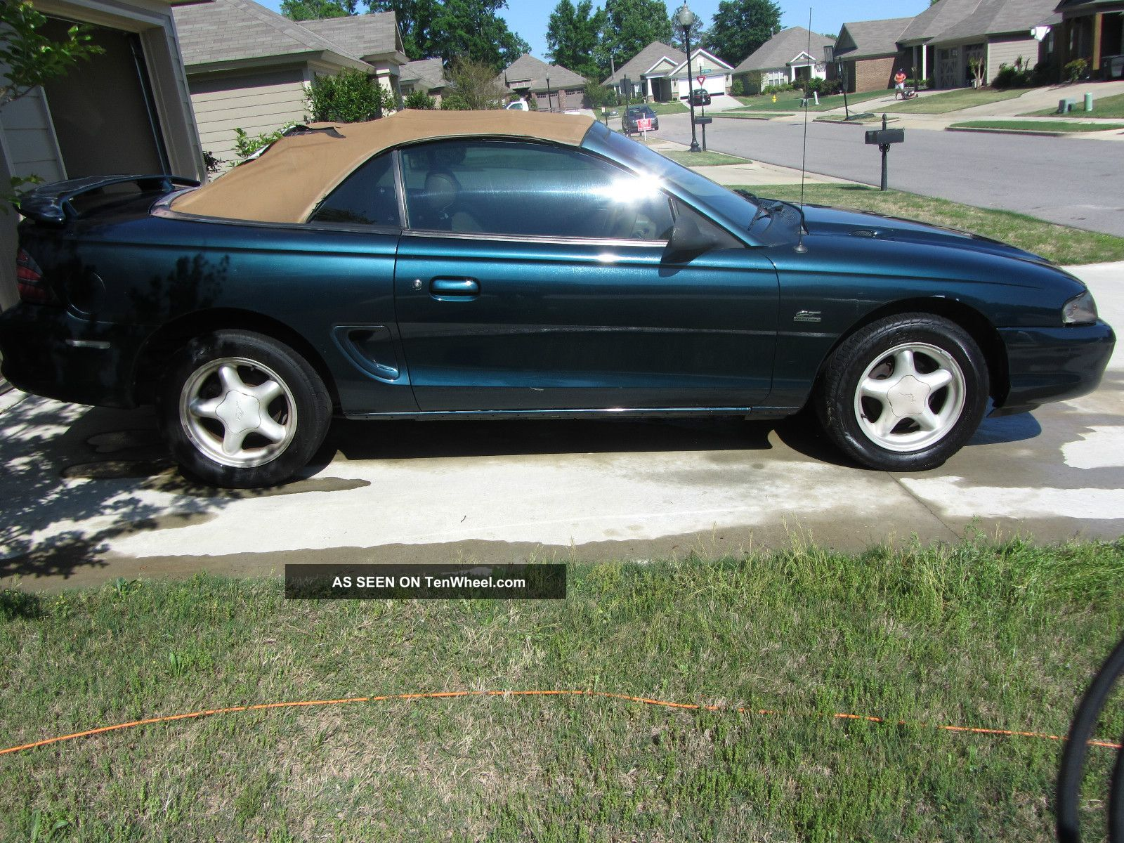 service manual  1995 ford mustang service manal  service manual service and repair manuals 1990 Mustang Convertible 1995 Mustang Convertible