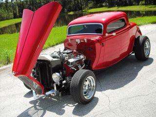 1933 Ford 3 Window Coupe.  Car / Ac / Radio Very photo