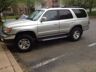 1999 Toyota 4runner Sr5 Sport Utility 4 - Door 3.  4l 4x4 photo